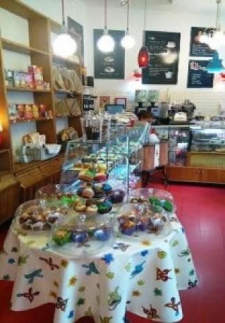 happy_day_bakery_interior_marendar_desayunar_madrid