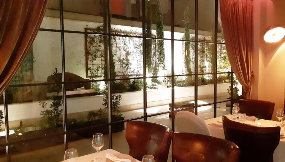 restaurante-malafemmena-sala-acceso-te-veo-en-madrid.jpg