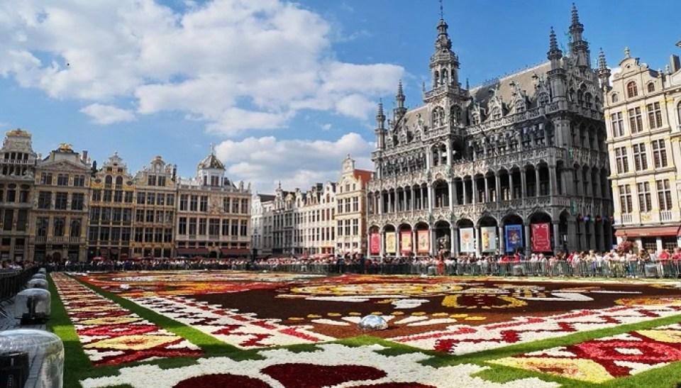 visita-a-bruselas-en-el-dia-de-europa-grand-place-te-veo-en-madrid.jpg