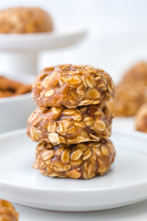 These soft and chewy no-bake maple almond butter cookies only take a few minutes to put together and are full of delicious fall flavors! naturally vegan, gluten-free, dairy-free and 100% whole grain