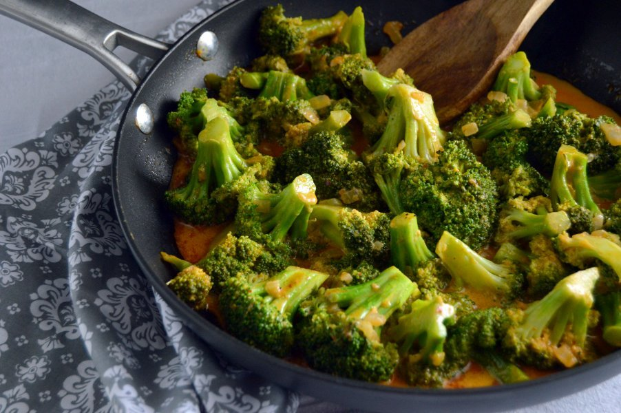 Thai Red Curry Broccoli - Dairy Free, Gluten Free, Low Carb, Keto, vegan