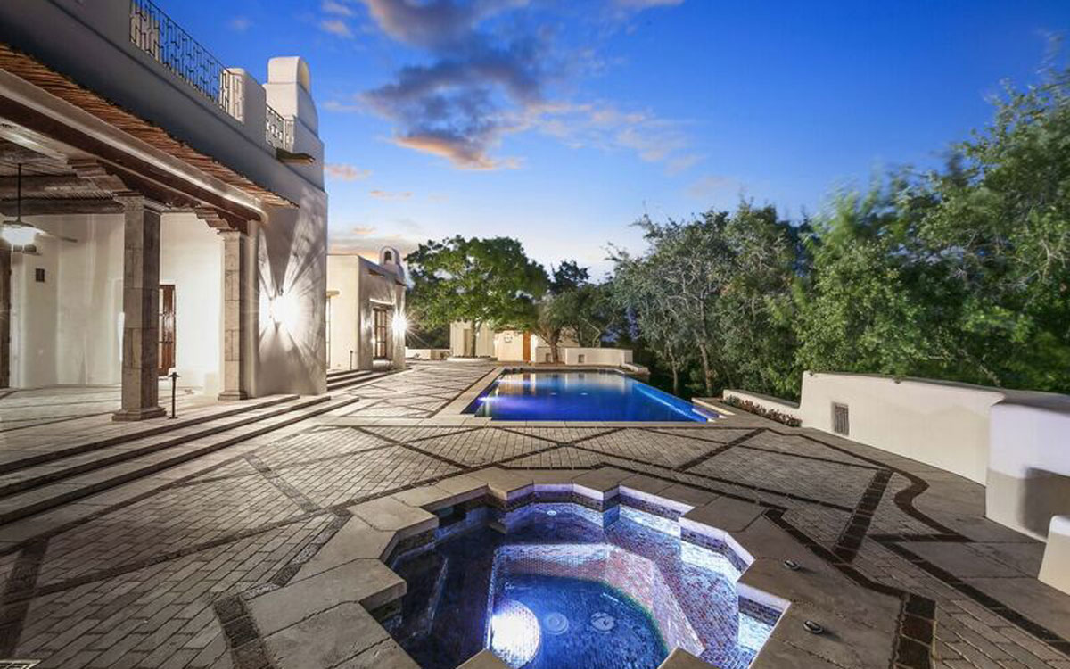 George Straits Extravagant House In San Antonio Is For