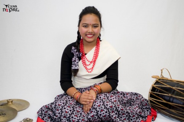 newari-cultural-dress-photo-irving-texas-20110227-4