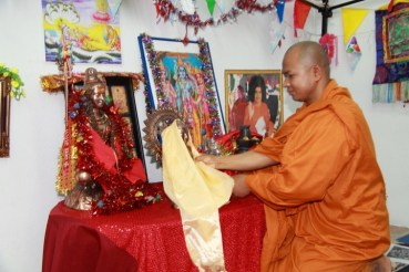 buddha-jayanti-puja-irving-20110507-21