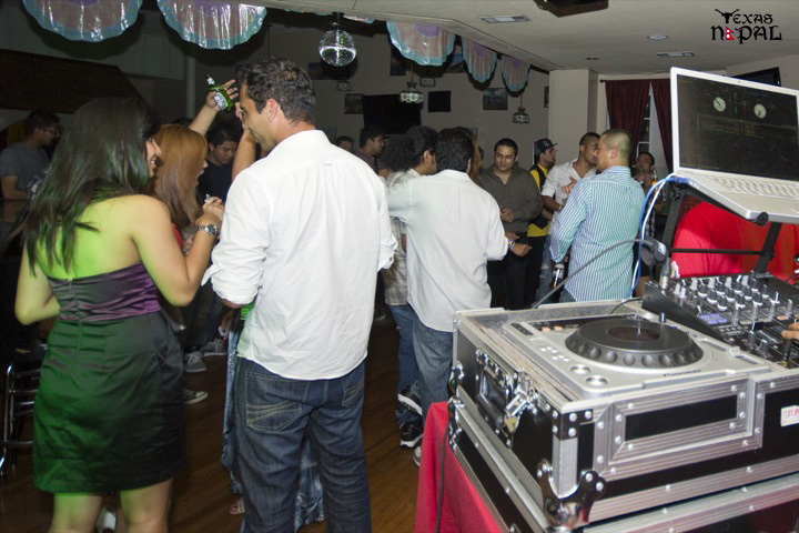 texas-nepal-basketball-fundraising-party-20110624-19