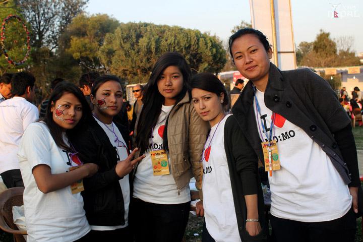 momo-mania-kathmandu-20120310-37