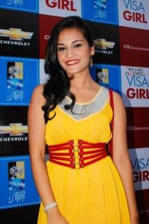 visa-girl-first-look-20120621-20