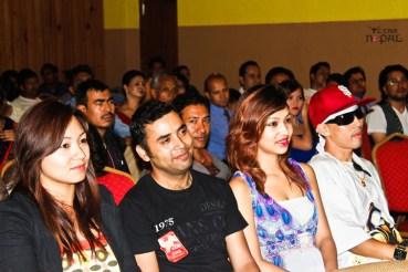 visa-girl-first-look-20120621-3