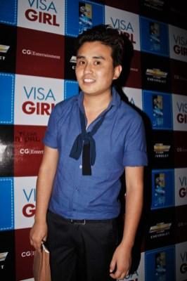 visa-girl-first-look-20120621-30