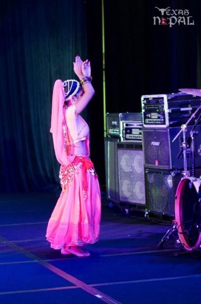 ana-supernova-talent-show-20120629-7