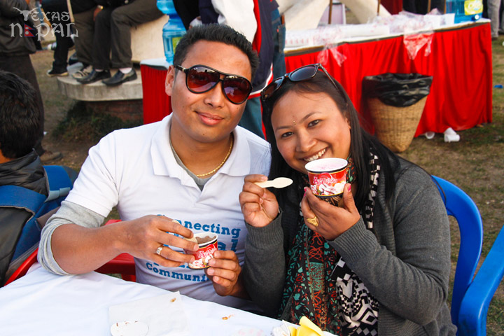 momo-mania-kathmandu-20130223-38