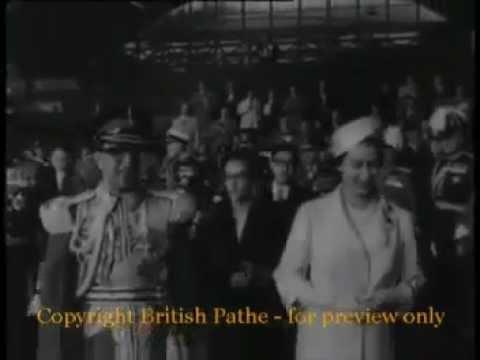 Queen Elizabeth welcoming to King Mahendra