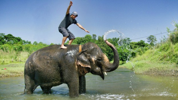 Nepal – Adventures of Team Supertramp in 4K – FortuneTraveller