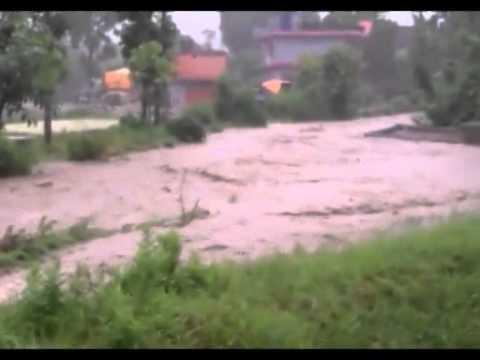 रातभरीको बर्षाले पोखराका बस्तीहरु डुबानमा (भिडियो)