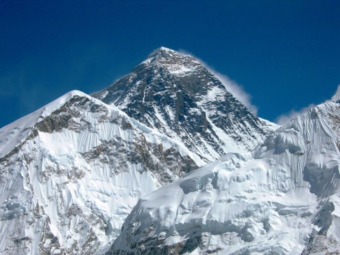 Numerous Cracks and Holes Discovered in Post-quake Mt Everest