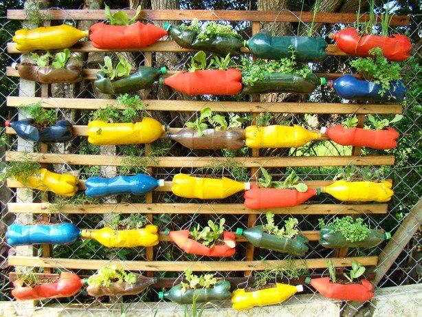 κήπος από πλαστικά μπουκάλια14