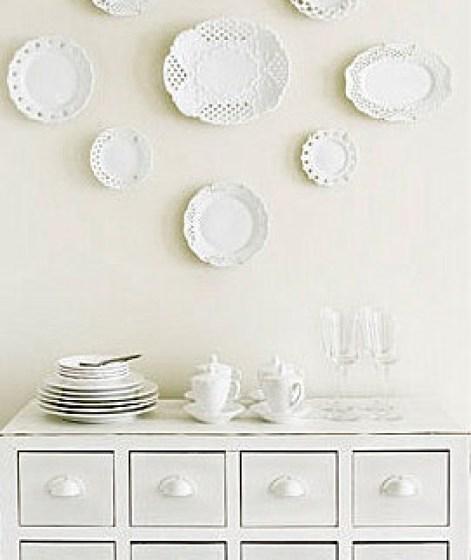 Λευκά πιάτα, σαν ντεκόρ τοίχων6