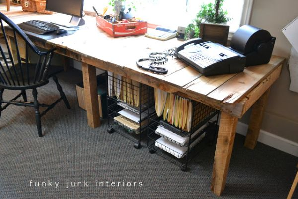 DIY γραφεία από παλέτες1
