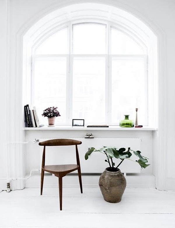 10 όμορφες, χαλαρωτικές γωνιές δίπλα στο παράθυρο για να εμπνευστείτε