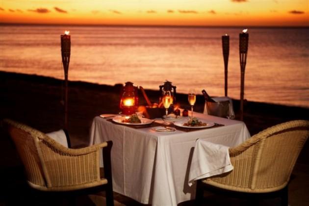 ιδέες για ρομαντικό Τραπέζι σε εξωτερικό χώρο3