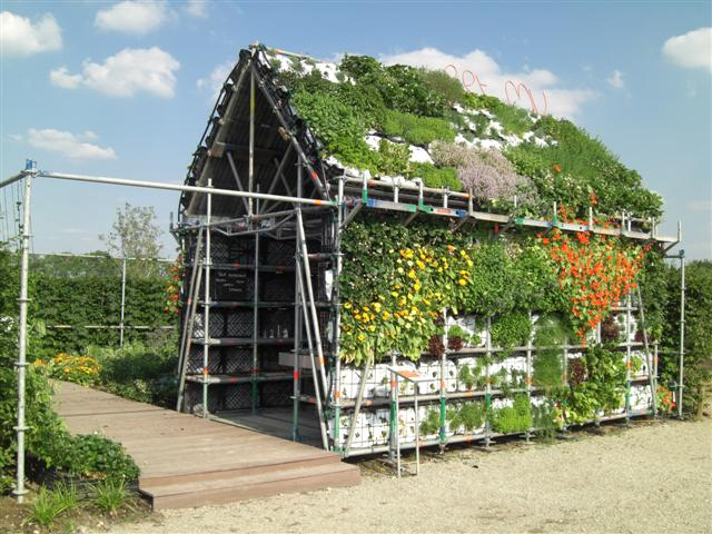 Eathouse: μια καταπληκτική ιδέα κήπου σε μορφή σπιτιού