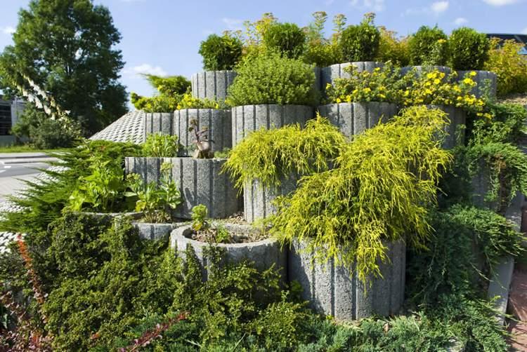 Μπετόν ζαρντινιέρες κήπου1