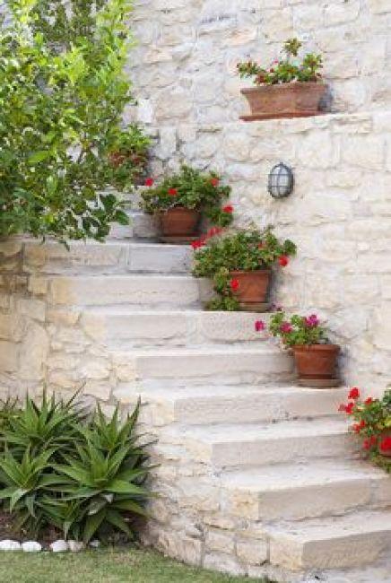 Μεσογειακός κήπος ιδέες53
