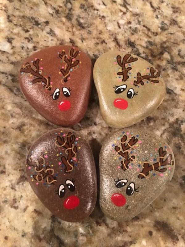 Χριστουγεννιάτικη ζωγραφική σε πέτρες και βότσαλα68