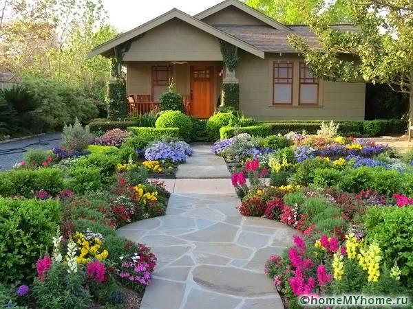 Λουλούδια μπροστά από το σπίτι6