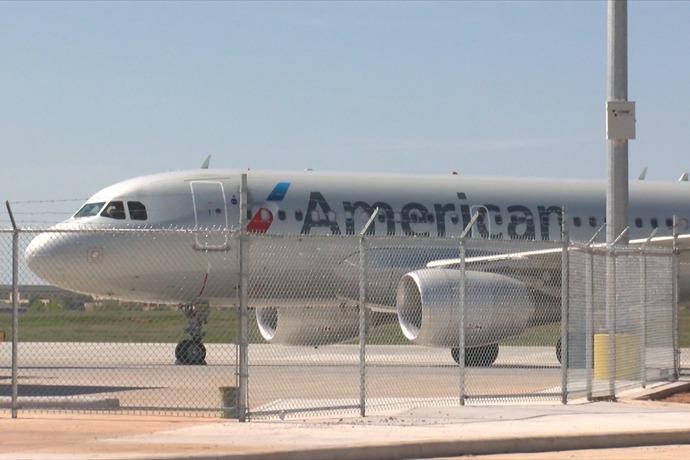 American Airlines Plane_3626242959915501277