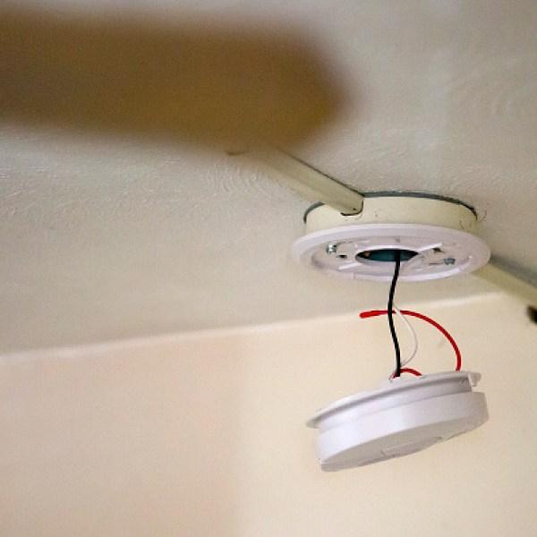 smoke detector_1452785533221.jpg