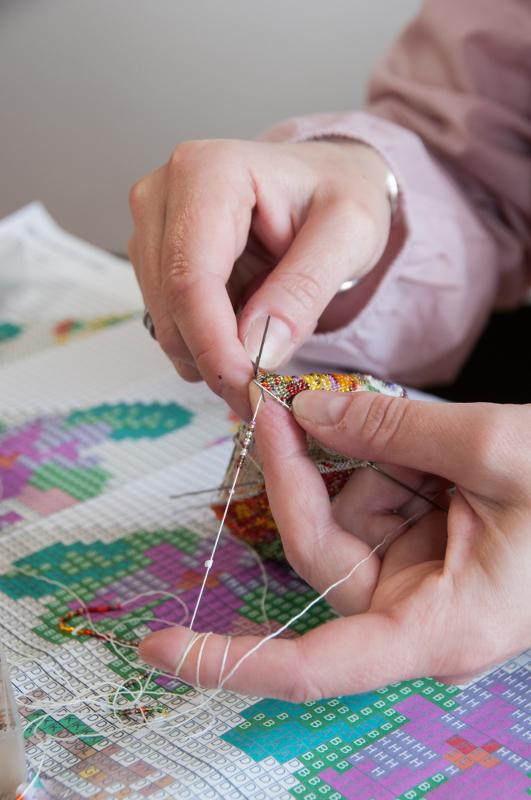 Perlbeutel stricken: carakess, die Perlenstrickerin. Foto: carakess