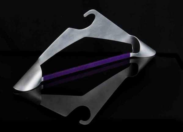 Kleiderbügel, Metallkleiderbügel, Metallbauhandwerk, Metallbauer, Handwerksdesign, ausgezeichnetes Design, kreatives Design, kreatives Handwerk