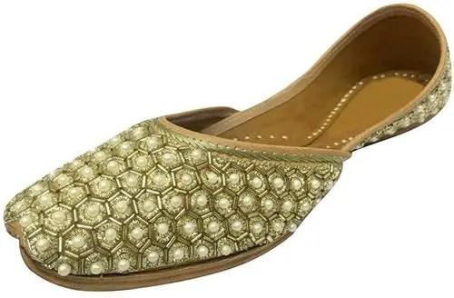 Khussa-Ladies Trending Fashion in Pakistan