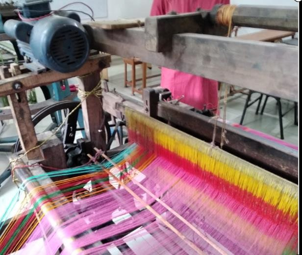 Primary & secondary motion of hand loom