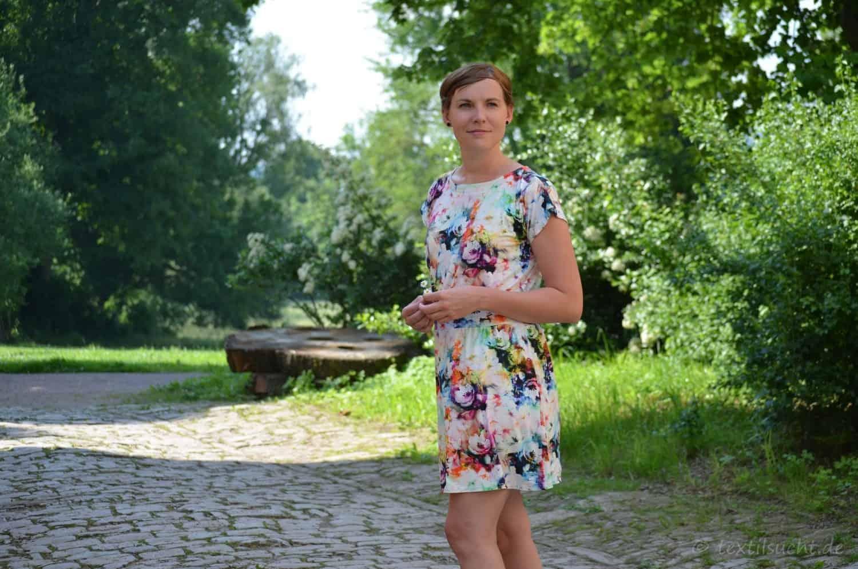 Lieblingskleid Federleicht: Schnittmuster Sommerkleid mit Bündchen - Bild 6