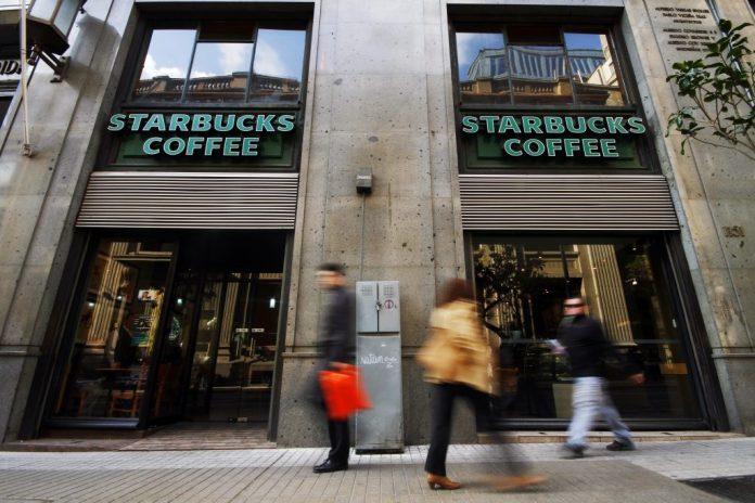 Bajo ley de protección del empleo: Starbucks suspende relación laboral con 90% de sus trabajadores
