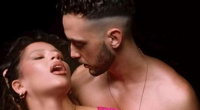 Nathy Peluso y C Tangana en una de las escenas del polémico videoclip de Ateo