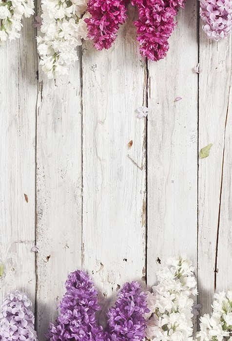 wood-background-with-lilac-flowers-zoom-1