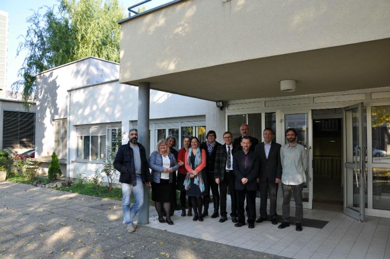 Nastavnici i suradnici nakon preseljenja u novu zgradu 2015. godine.