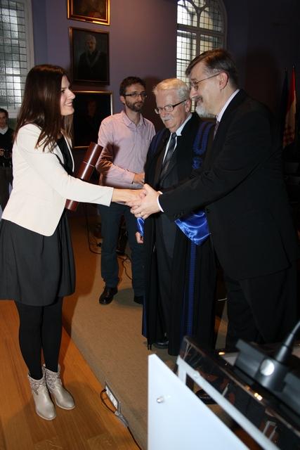 Predstavnik osnivača, Željko Mraz, čestita Nikolini Bakmaz