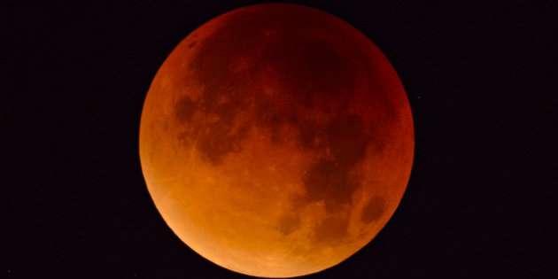 Cielo Rosso Di Notte.Eclissi Totale La Super Luna Rossa Che Illuminera Il Cielo Nella