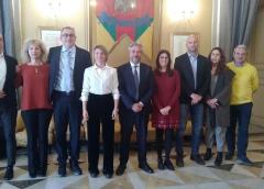 La giunta dona 20 mila euro alla Croce Rossa