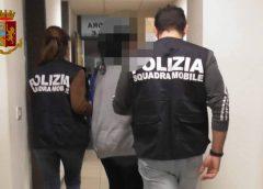 Violenza sessuale, pornografia minorile e adescamento di minorenni, arrestato dalla polizia