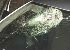 Lite sul social network e poi gli spari contro l'auto, colpi partiti da un'abitazione