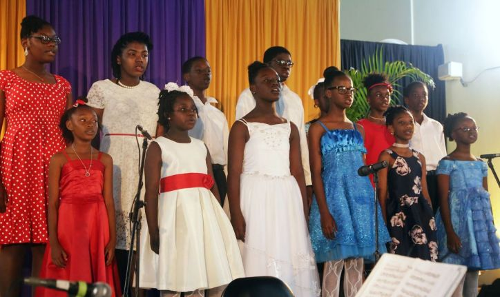The Music Amateurs Choir's youth chorale entertains the audience.