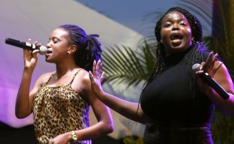 Shaunica and Yolanda sings at the event.