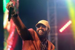 Tarrus Riley wows the Speyside crowd during his performance.