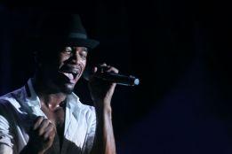 R&B star Ne-Yo thrills the crowd.