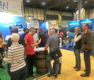 Dive Show attendees visiting the Tobago stand.